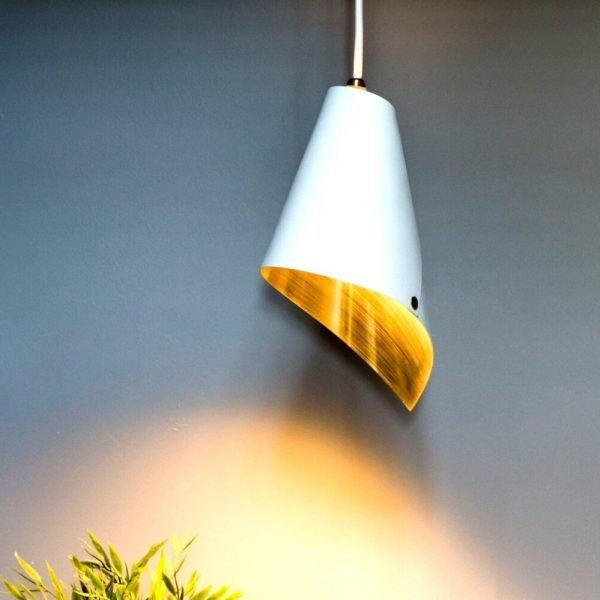 Single pendant light Brushed Brass and White